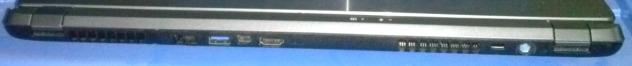 sisi belakang: port catu daya, slot kunci Kensington, HDMI, mini-DisplayPort, USB 3.0 dan soket Ethernet